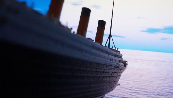 Representación artística del buque Titanic - Sputnik Mundo