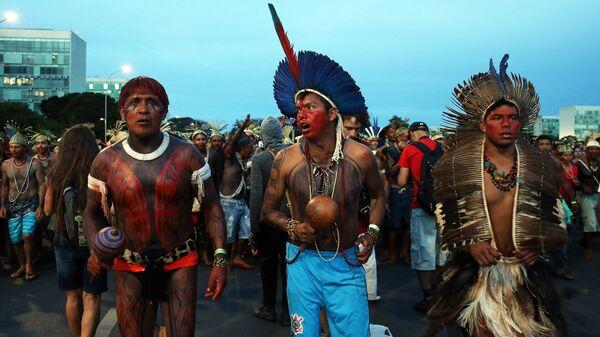 Una manifestación indígena en Brasilia, en 2017 - Sputnik Mundo