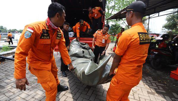 El siniestro del avión de Lion Air en Indonesia - Sputnik Mundo