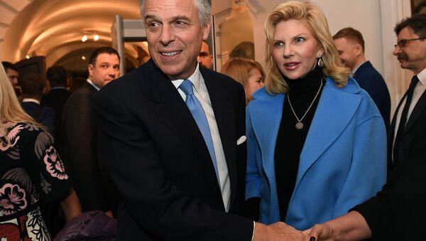 Jon Huntsman, embajador de EEUU en Rusia, y Mary Kaye, su esposa - Sputnik Mundo