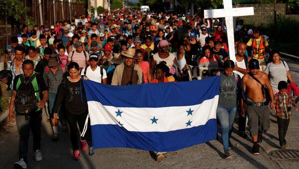 Los migrantes hondureños en México - Sputnik Mundo