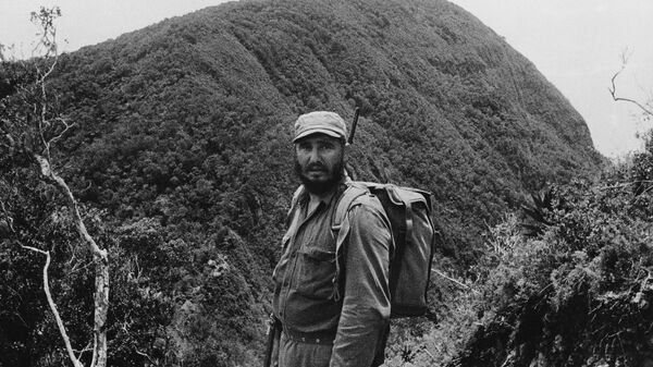 Fidel Castro visita la Sierra Maestra en junio de 1962 - Sputnik Mundo