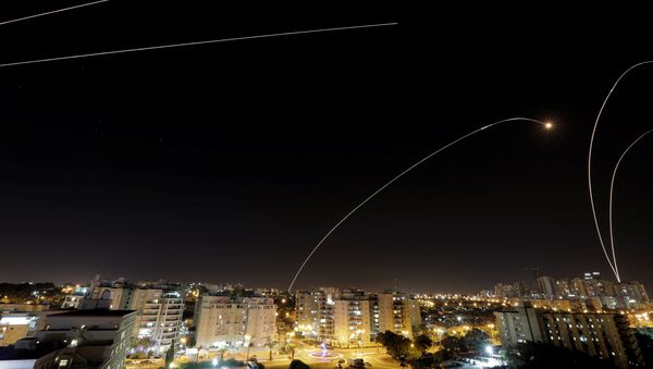 Ciudad israelí de Ashkelon durante un ataque - Sputnik Mundo
