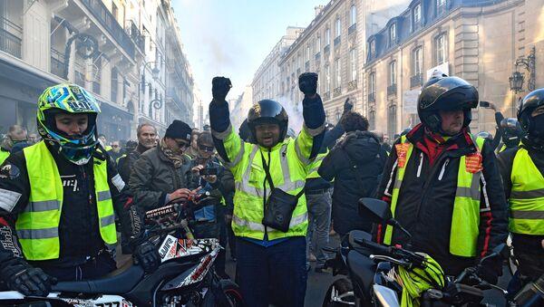 Las protestas de los chalecos amarillos en Francia - Sputnik Mundo