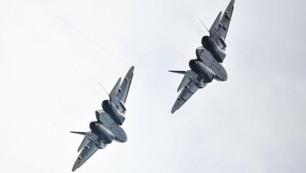 Dos cazas Su-57 (archivo) - Sputnik Mundo
