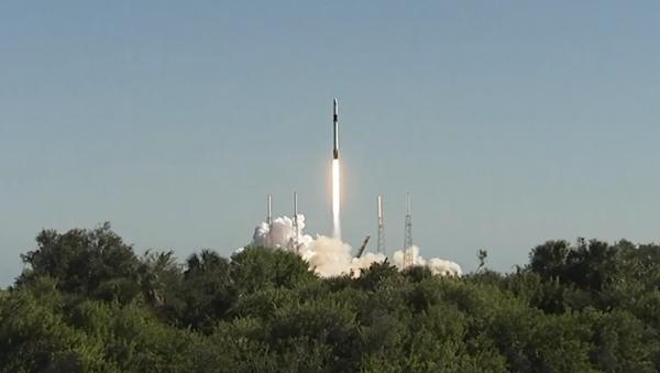 El lanzamiento del cohete Falcon 9 - Sputnik Mundo