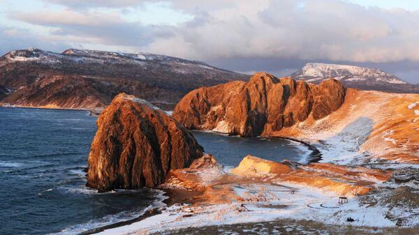 Paradisíacos, pero desiertos: así son los paisajes de la isla de Kunashir - Sputnik Mundo