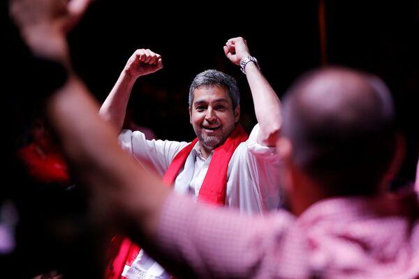 El candidato conservador Mario Abdo Benítez, del partido Colorado, venció en las elecciones generales de Paraguay celebradas el 22 de abril. Conocido en el país como 'Marito', el político asumió el cargo de presidente de la República el 15 de agosto de 2018. - Sputnik Mundo