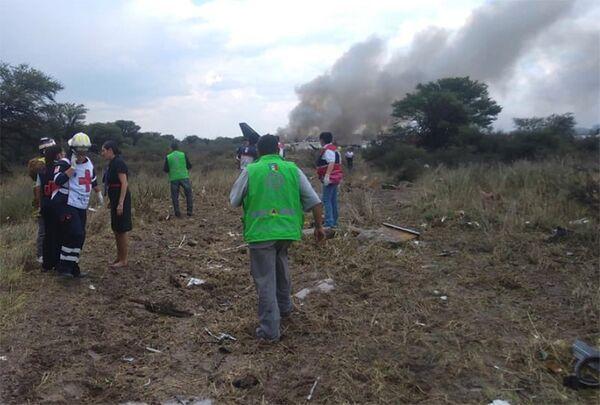 El 31 de julio un avión de Aeroméxico se estrelló cerca del aeropuerto de Durango, en México, poco después de despegar. Increíblemente, ninguna de las 103 personas a bordo, incluidos dos infantes y 4 tripulantes, falleció. - Sputnik Mundo