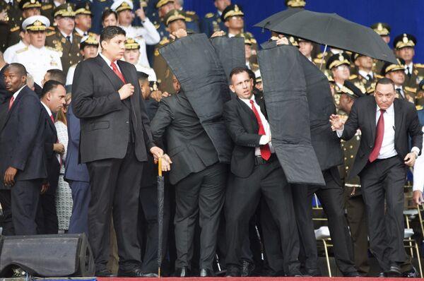 El 4 de agosto, durante un acto en Caracas por la conmemoración de los 81 años de la creación de la Guardia Nacional Bolivariana, se produjo un atentado contra el presidente de Venezuela, Nicolás Maduro. - Sputnik Mundo
