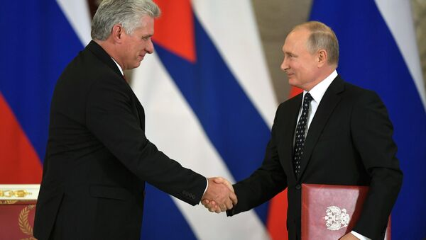 El presidente cubano, Miguel Díaz-Canel Bermúdez, y el presidente de Rusia, Vladímir Putin (archivo) - Sputnik Mundo