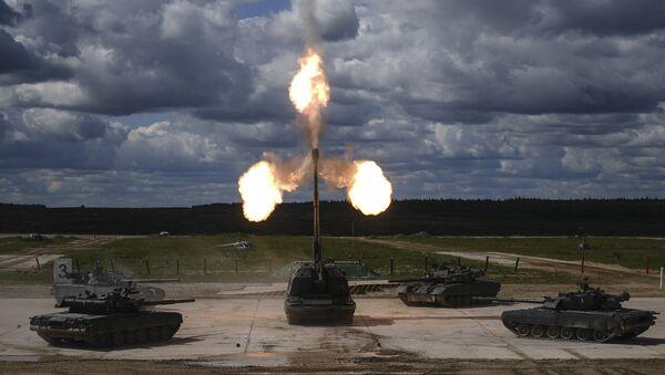 Los tanques T-90 y el obús autopropulsado Msta-S - Sputnik Mundo