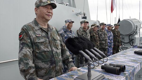 Xi Jinping, presidente y comandante en jefe de China, durante un discurso ante la Armada del Ejército Popular de Liberación (archivo) - Sputnik Mundo
