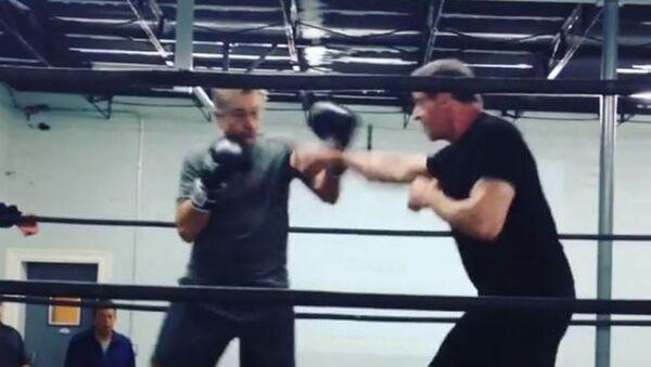 Silvester Stallone contra Robert De Niro en el ring - Sputnik Mundo