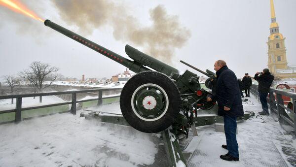 Putin visita San Petersburgo el día de la Navidad ortodoxa - Sputnik Mundo