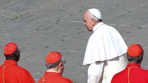 Papa Francisco en el Vaticano - Sputnik Mundo