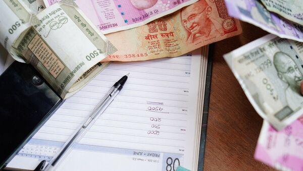 Las rupias indias, referencial - Sputnik Mundo