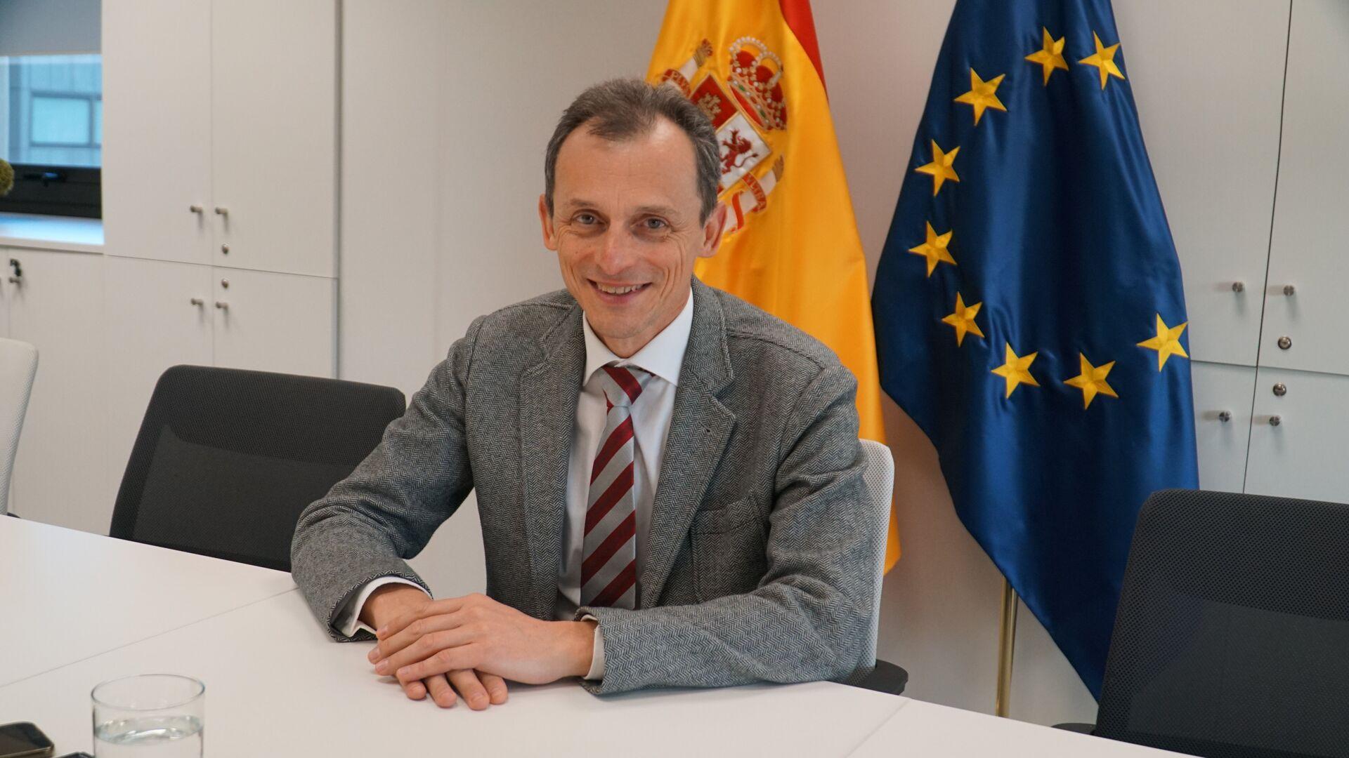 Pedro Duque, ministro de Ciencia e Innovación de España - Sputnik Mundo, 1920, 18.02.2021