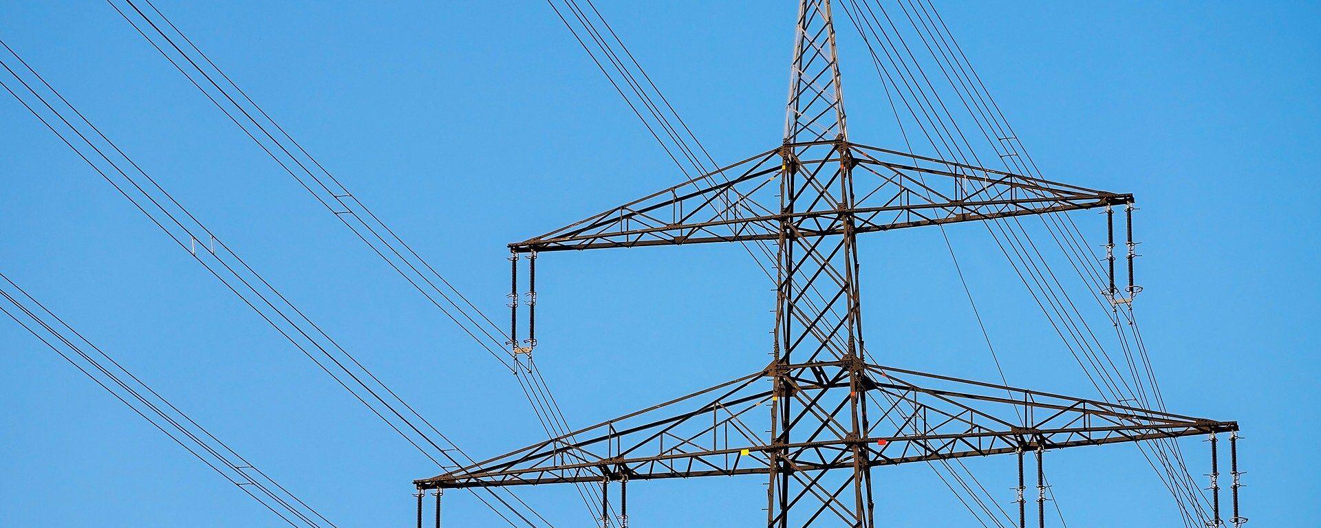 Líneas de electricidad (imagen referencial) - Sputnik Mundo, 1920, 01.06.2021