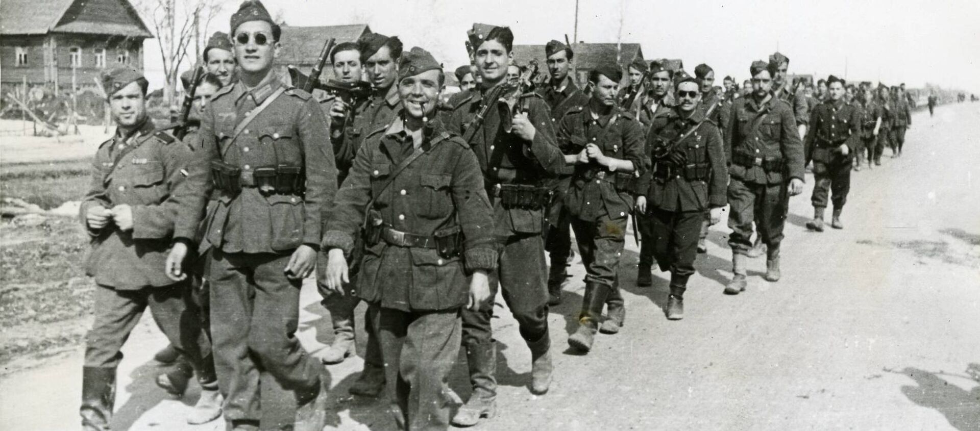 Voluntarios españoles: reemplazos para la División Azul - Sputnik Mundo, 1920, 19.02.2019