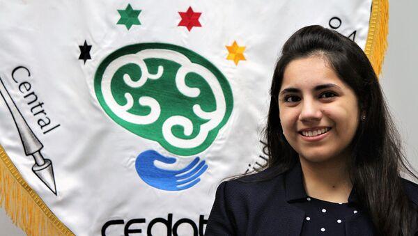 Dafne Asdrúbal, la adolescente mexicana que se volvió la alumna más joven de Harvard en más de 100 años - Sputnik Mundo