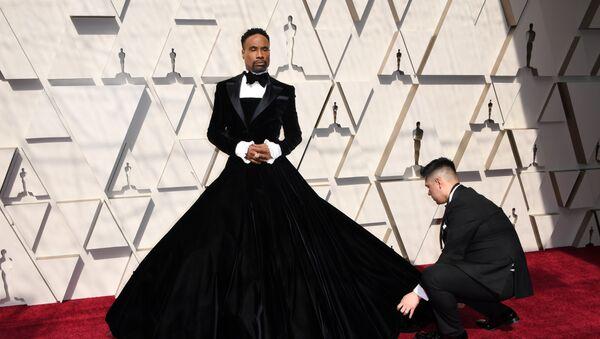 El actor Billy Porter, en la alfombra roja de los Oscar 2019 - Sputnik Mundo