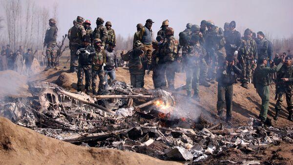 Siniestro de un avión de las Furzas Aéreas de la India en Cachemira - Sputnik Mundo