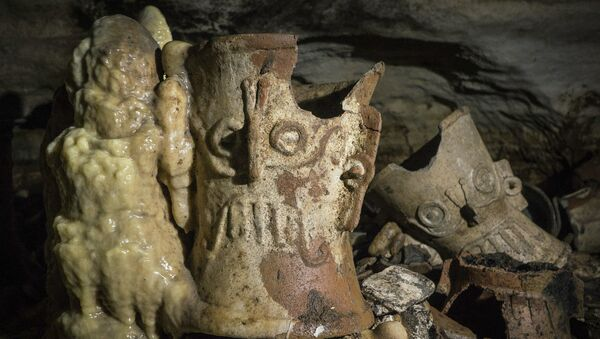 Artefactos de los mayas en la cueva Balamkú - Sputnik Mundo