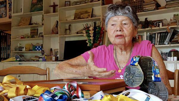 María Eugenia Walls Galindo, conocida como La Sirena de Acapulco, una nadadora profesional de México - Sputnik Mundo