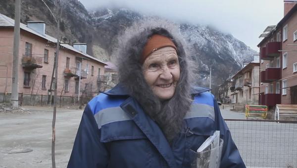 Esta anciana recorre 48 kilómetros al día para llevar cartas a una aldea perdida en Rusia - Sputnik Mundo