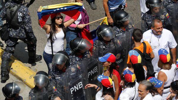 La marcha de la oposición en Caracas - Sputnik Mundo