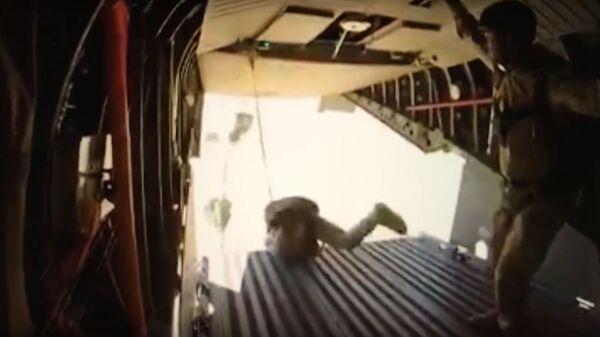 Epic fail de paracaidistas africanos - Sputnik Mundo