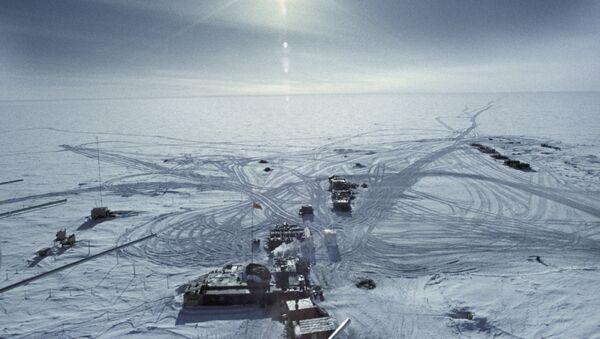 La estación 'Vostok' en 1957 en la Antártida - Sputnik Mundo