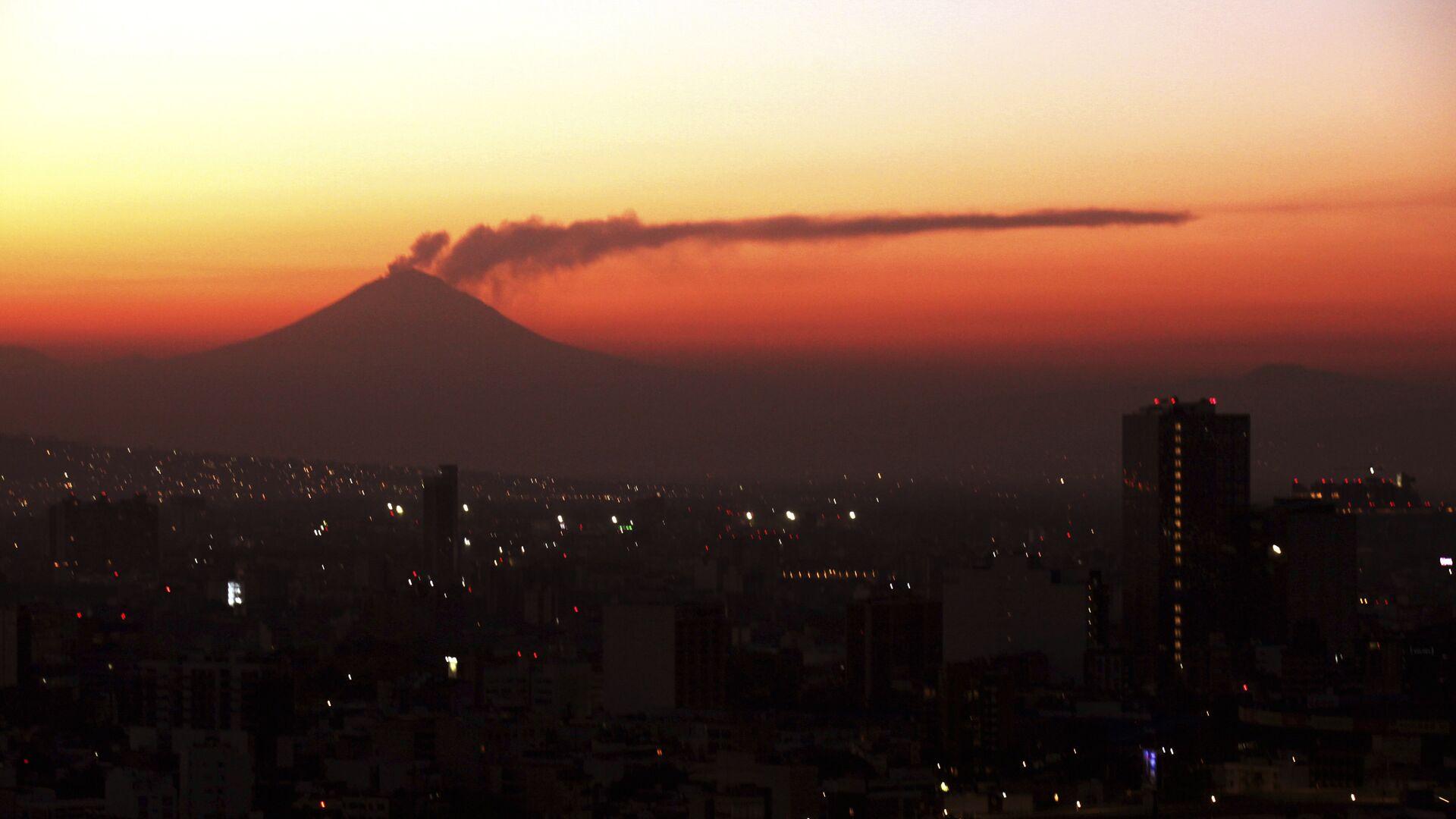 El volcan Popocatépetl - Sputnik Mundo, 1920, 18.09.2021