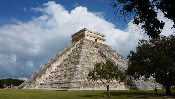 El sitio arqueológico de Chichen Itzá, en Yucatán, México - Sputnik Mundo