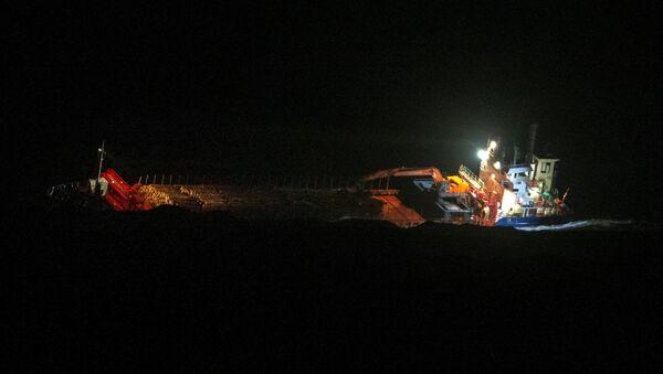 El carguero Hagland Captain, naufragado en las costas de Noruega el 23 de marzo de 2019 - Sputnik Mundo