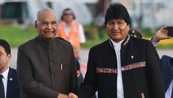 El presidente de la India, Ram Nath Kovind, con su par boliviano, Evo Morales - Sputnik Mundo