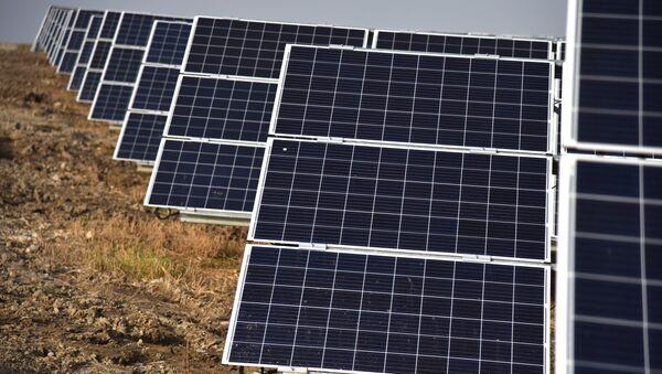 Una planta solar - Sputnik Mundo