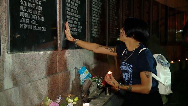 Centenares de personas rinden homenaje a los veteranos y caídos en las Malvinas - Sputnik Mundo