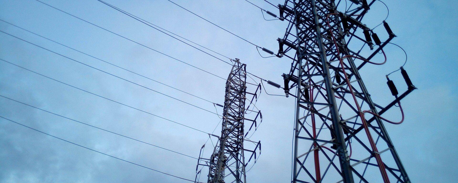 Torres eléctricas de alta tensión - Sputnik Mundo, 1920, 24.03.2021
