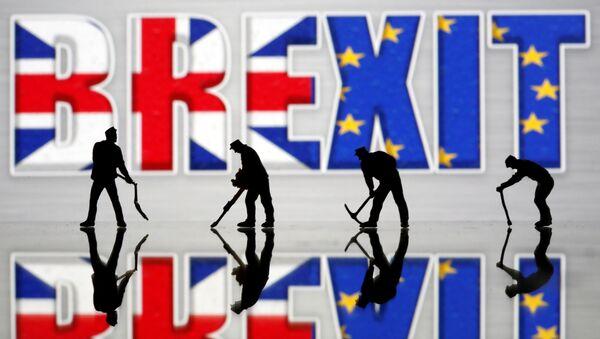 Las banderas del Reino Unido y la Unión Europea en el Brexit - Sputnik Mundo