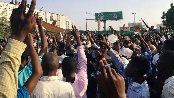Las protestas en Sudán - Sputnik Mundo