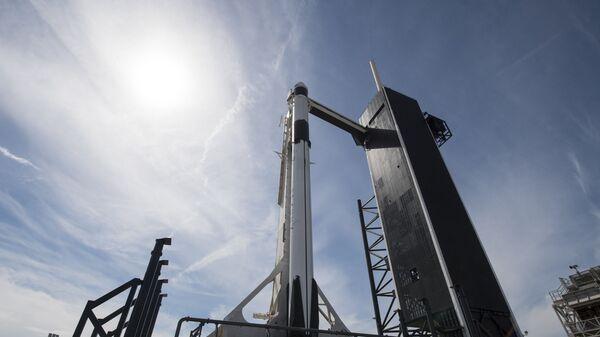 La nave espacial Crew Dragon de SpaceX - Sputnik Mundo