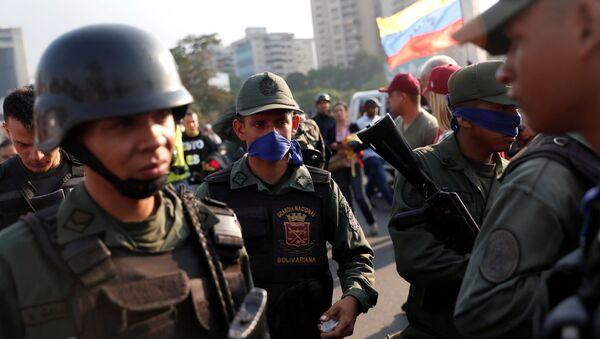 Militares venezolanos en la base aérea Generalisimo Francisco de Miranda La Carlota, en Caracas, Venezuela - Sputnik Mundo