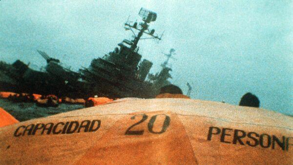 El hundimiento del buque General Belgrano durante la Guerra de Malvinas - Sputnik Mundo