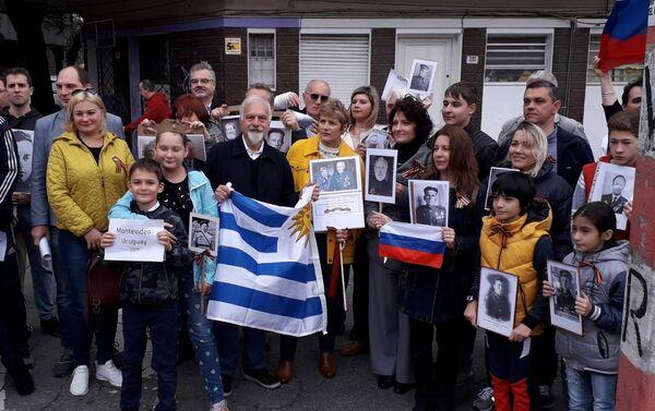 La marcha del Regimiento Inmortal en Montevideo - Sputnik Mundo