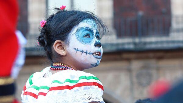 Una niña mexicana - Sputnik Mundo