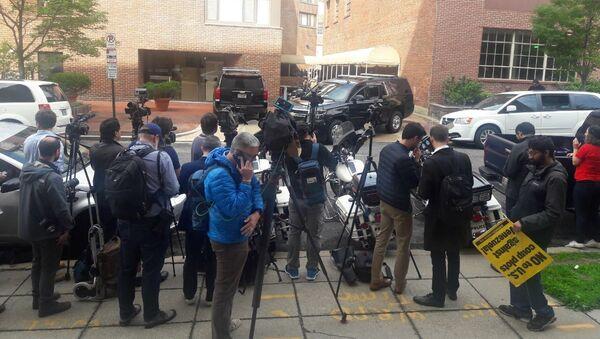EEUU arresta a activistas en la Embajada venezolana en Washington - Sputnik Mundo