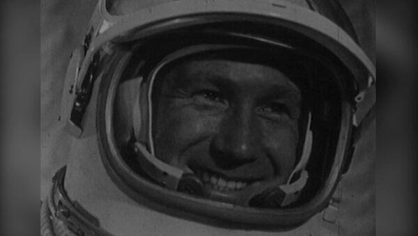 El orgullo de la URSS: el primer hombre en salir al espacio exterior cumple 85 años - Sputnik Mundo
