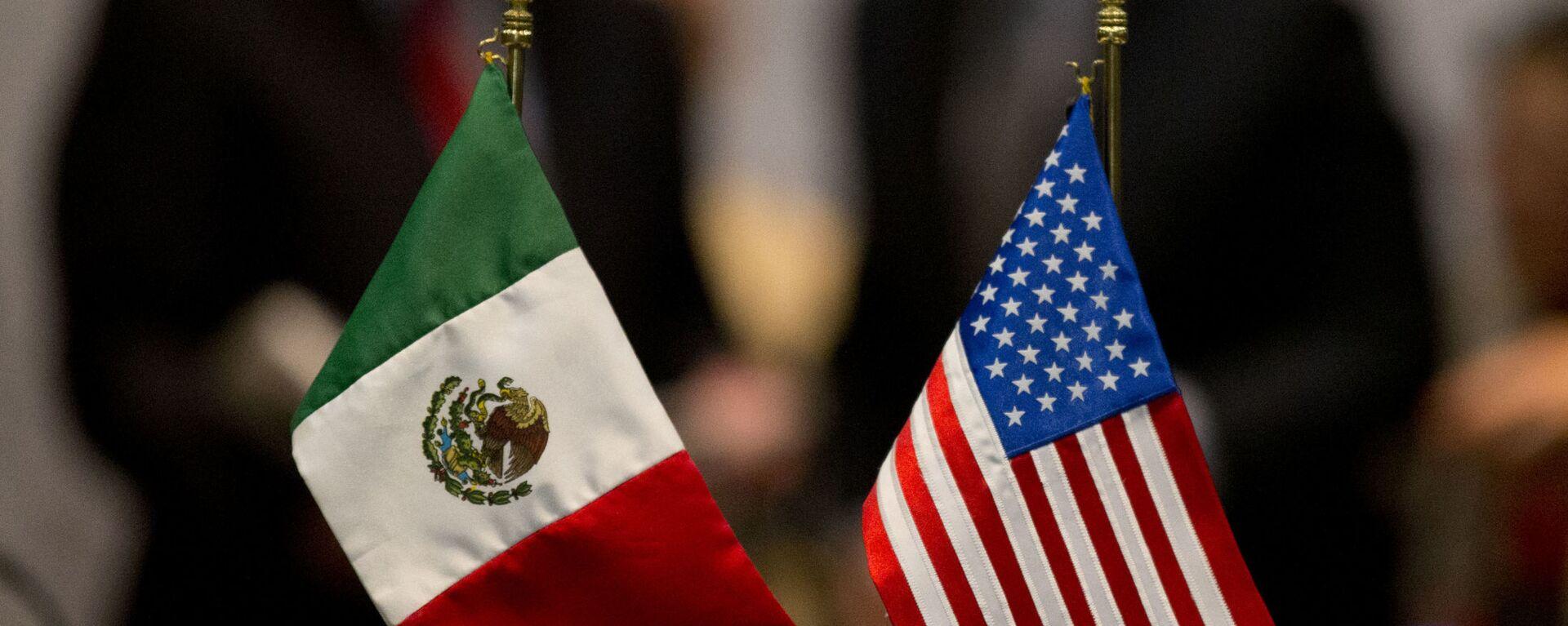 Banderas de México y EEUU - Sputnik Mundo, 1920, 01.03.2021